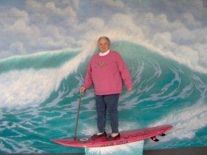 Surfer sur la vague de Fukushima, c'était pas une bonne idée.