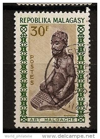 Fière moustache malgache