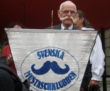 sns-viral-moustaches-pictures-033-altthumbnail